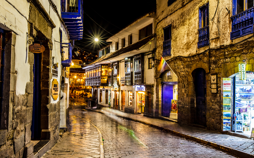 Streets and shops of Cusco