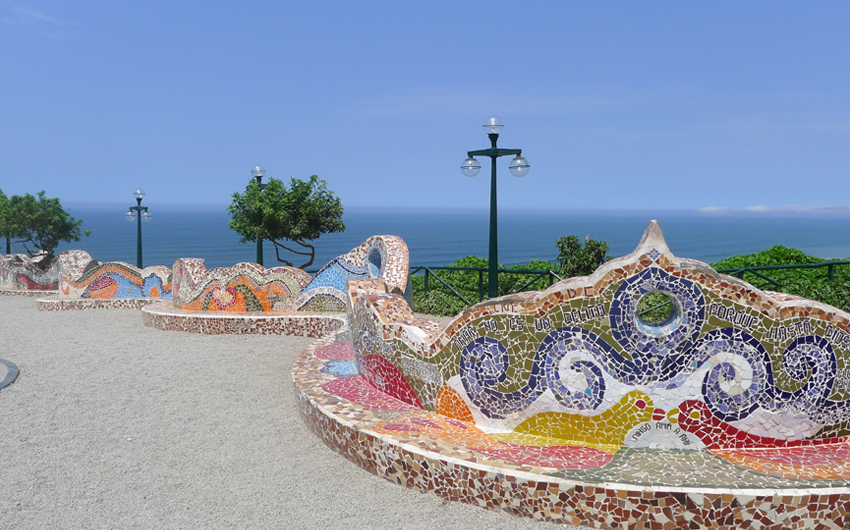 Tiled bench in Parque del Amor, Miraflores